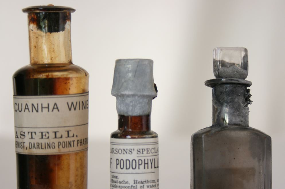 Homeopathic Kit from the collection of Geoffrey Kaye Museum of Anaesthetic History